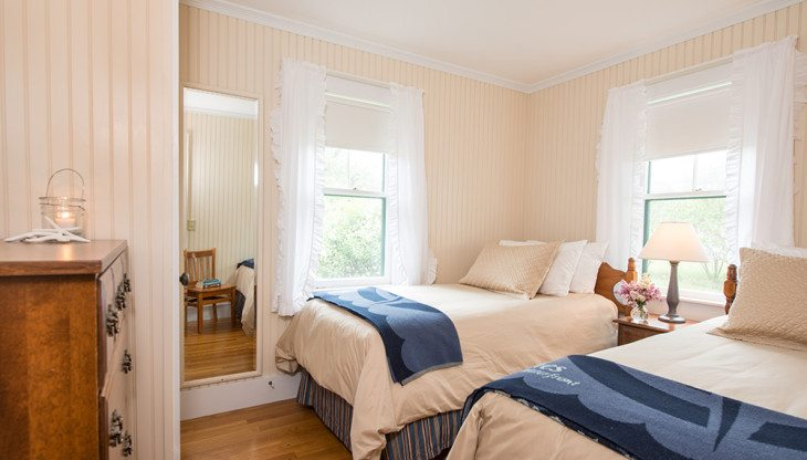 Twin Bedroom in Cottage 6